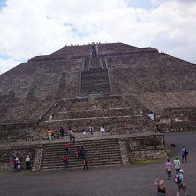 メキシコ ティオティワカン遺跡めぐり