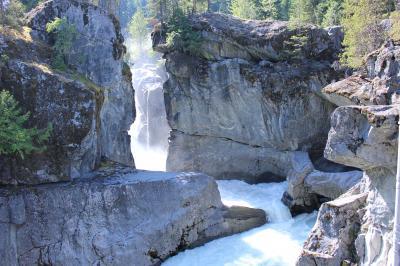 キャンプして氷河湖を見に行こう~♪ 2、キャンプ場、Nairn Falls Provincial Park