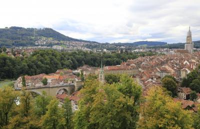 スイスアルプス 大自然と鉄道の旅 (9) 世界遺産ベルンで街歩き