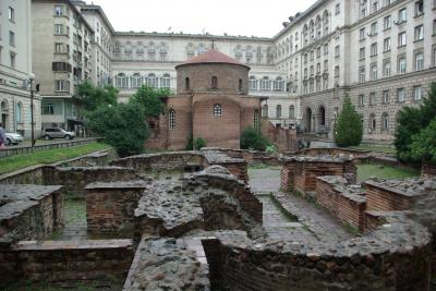 街中に溢れる遺跡と修道院とキリル文字の国ブルガリア6(ソフィア1)