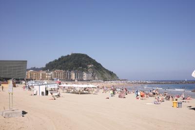 バスクとパリの夏休み 3(サンセバスチャンから山の中のレストランへ Asador etxebarri)