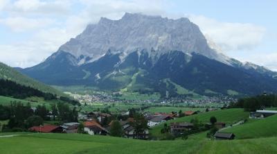 Tiroler Zugspitz Arena で滞在型のんびりハイキングの旅 ② Lermoosへ