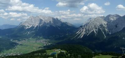 Tiroler Zugspitz Arena で滞在型のんびりハイキングの旅 ⑤ ロープウェイでGrubigsteinへ