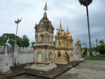 ナコン・パノム・川沿いの寺院へ