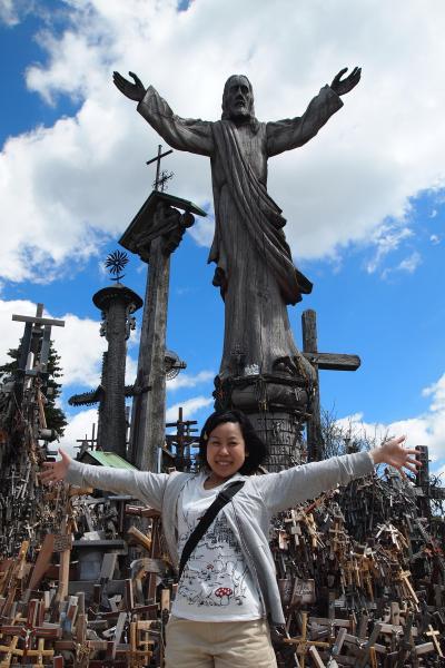 【リトアニア①】ラトビアとリトアニアの境、十字架の丘へ!