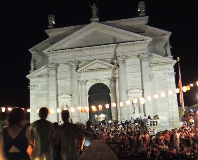 Venetoを満喫するイタリア:Festa del Redentore(前夜祭・花火) e Murano.