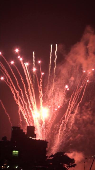 約3万発 長良川花火大会(10) 鵜匠の家 すぎ山屋上から見た花火 動画から切出し編 その3