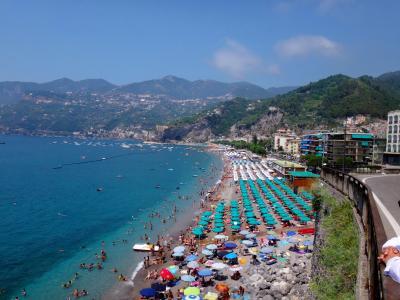 楽しかった~♪ 2015 猛暑のイタリア(アマルフィ・ローマ・フィレンツェ・ベネチア) 2、日本出発からホテル到着まで   マイオーリの美しいビーチ