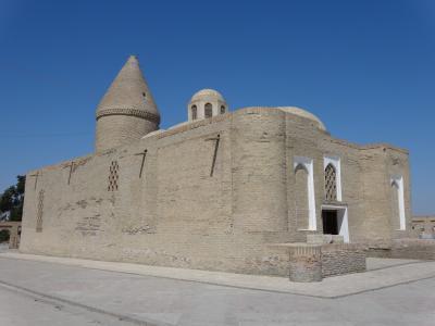 チャシュマイ・アユブ廟