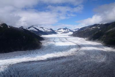 2015.7 ディズニークルーズで行く感動のアラスカ⑨…ヘリコプターで行く氷河散歩、氷河の上を歩いてきました!