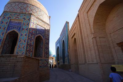 真夏のウズベキスタン6:サマルカンド シャーヒズィンダ廟