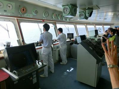 ぱしふぃっくびーなす号屋久島・種子島クルーズ:操舵室見学とデッキの紹介