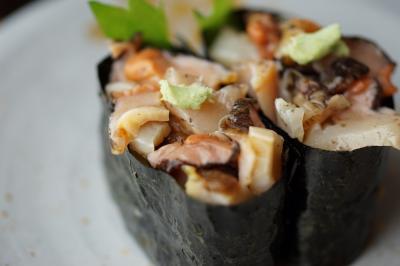 雨の日は、クルマで美味しいお寿司と綺麗な温室へ