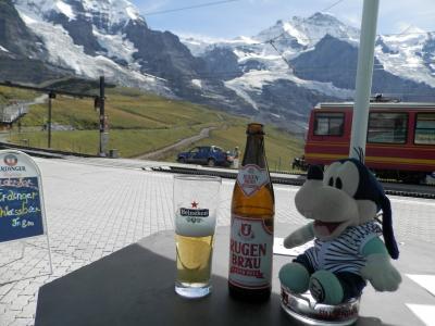 グーちゃん、スイスアルプスへ行く!(クライネシャイディックで極上のビール!編)