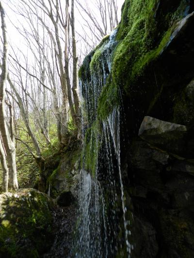美しい潜流瀑『玉垂れの滝』◆2015GW・群馬県&長野県の滝めぐり≪その7≫