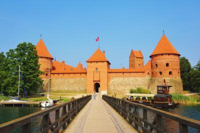 バルト3国をドライブで周遊とサンクトぺテルブルグ&ストックホルム観光 NO.3 トラカイ城とカウナスの町