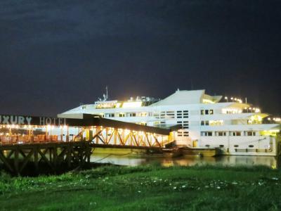 2015 AUG ヤンゴン川に浮かぶ水上ホテル滞在: Vintage Luxury Hotel