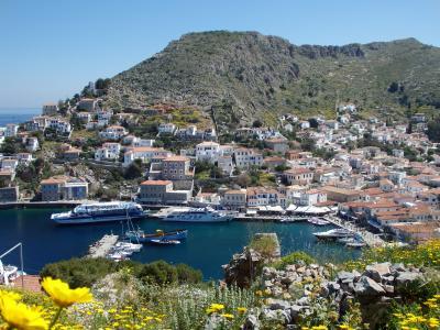 紺碧のエーゲ海に浮かぶ島々を訪ねて 【55】 イドラ島へ上陸♪狭い路地歩きから丘の上へ!