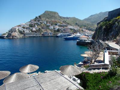 紺碧のエーゲ海に浮かぶ島々を訪ねて 【56】 イドラ島の海岸歩きを終え、ピレウスへ