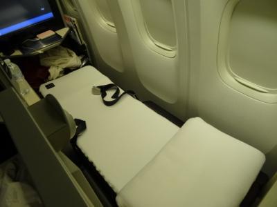 シカゴから成田 JALスカイスイート ビジネスクラス 爆睡