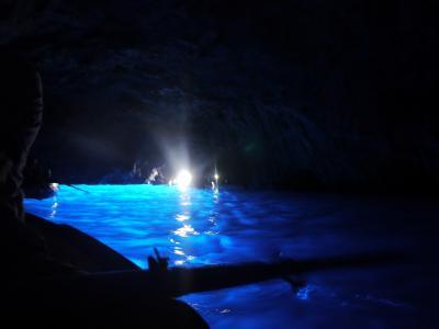 イタリアのんびり周遊その⑥カプリ島~青の洞窟~