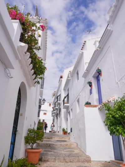 スペイン周遊 その7 ネルハ・フリヒリアナ・グラナダ編 憧れの白い街