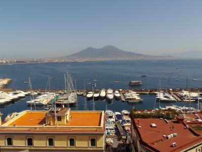 イタリア&クロアチア10日間の旅 02:猛暑のナポリを歩く