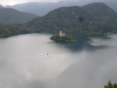 スロベニア、クロアチア、ボスニア・ヘルツェゴビナ旅行(2)ブレッド湖~曇り空の下の静かな湖畔