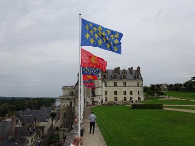 レオナルドダヴィンチが眠るアンボワーズ城~ロワール川沿いにあるフランスの庭 トゥール地方~