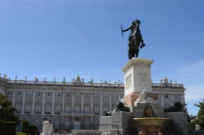 スペインの街角を楽しむ旅(マドリード/王宮~帰国編) -地図を片手にマドリード市街を歩く-
