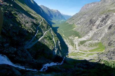 ノルウエーフィヨルドドライブ1700? 18-Trollstigen (トロルのはしご段)とStigfossen(はしご滝)