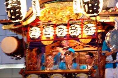 熱気がぶつかり合う!熊谷うちわ祭 叩き合い