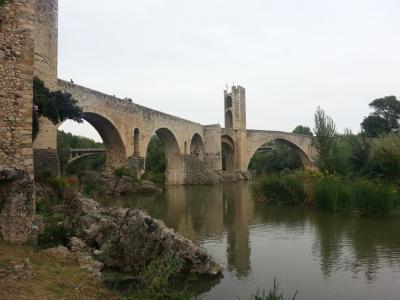 2015年10月スペイン3週間。日帰りで北カタルーニャ地方の田舎周遊。パート2。Besalú