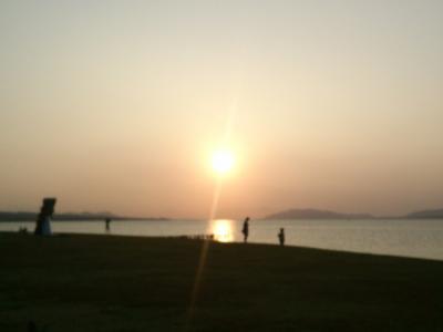 宍道湖の夕陽に出逢う。出雲、松江の旅