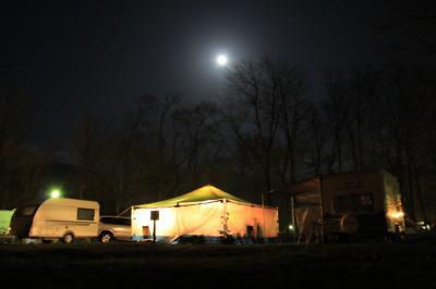 春の道東満喫の旅①日高沙流川キャンプ場で花粉症と闘いながらの宴会キャンプ