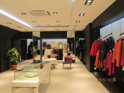バムッカレの革製品専門店エメルダ