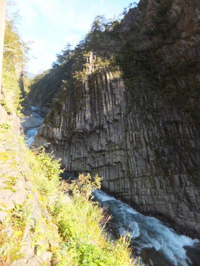 清津峡、河岸段丘、秋山峡に行く。