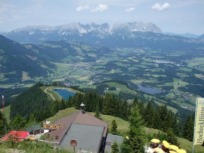 オーストリアのチロル&エーアヴァルト、ドイツのバイエルンの旅 【15】 キッツビュール・ハーネンカムバーンで山上へ(^^♪