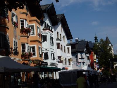 オーストリアのチロル&エーアヴァルト、ドイツのバイエルンの旅 【19】 キッツビュールの町並みを通り過ぎてゴンドラ乗り場へ