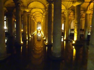 イスタンブール観光、1日目午後、アヤソフィヤ博物館、地下宮殿、ブルーモスク