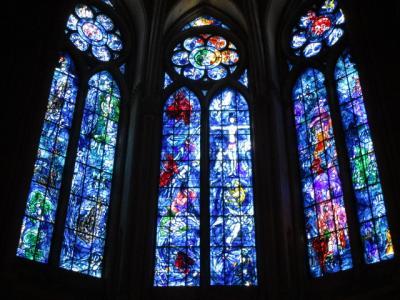 ランスのノートル ダム大聖堂。 シャガール達の素晴らしいステンドグラス アート!