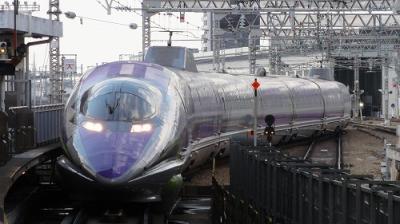 エヴァンゲリオン新幹線と駅マルシェ新大阪