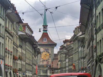 スイスで最も新しい5つ星のホテルに泊まるスイスの休日8日間 トーン湖遊覧→ベルン→ルツェルン湖