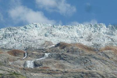 「温暖化で後退する氷河の舌!」「マッターホルンの玄関口ツェルマット」