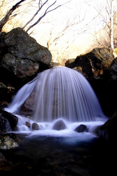 ◆冬ざれの安達太良山麓・三日月の滝