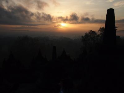中年バックパッカー、エアアジアで行く初めてのインドネシアで世界遺産巡りの旅(*^^)v Vol.4 世界三大仏教遺跡・ボロブドゥール遺跡を目指す!