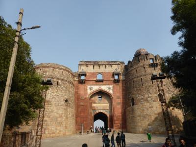 インド北西部14の世界遺産を巡る旅 ~空気の澄んでいるプラーナー・キラー古城は、市民のデートスポット
