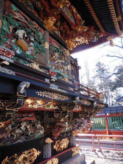 鮮やかな宝殿、歓喜院聖天堂。猿や鷲や七福が、生き生きと踊ってます。