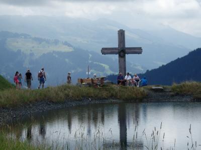 オーストリアのチロル&エーアヴァルト、ドイツのバイエルンの旅 【36】 ゴイング村背後の山へ上ったものの、さぁ、どうしよう。。。