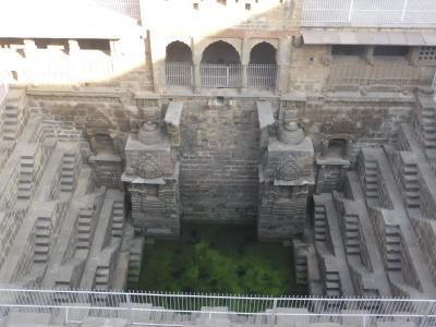 インド北西部14の世界遺産を巡る旅~チャンド・バーオリー 階段井戸
